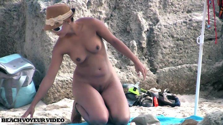 Beach Voyeur HD Nude 730