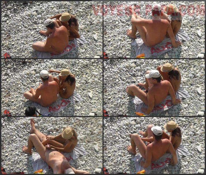 Amateur Couple Hand Job on the Beach