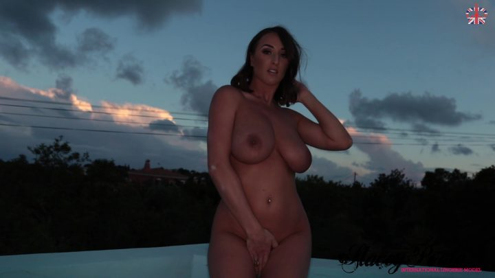 Stacey Poole Night time strip